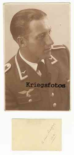 Portrait Soldat der Luftwaffe in Uniform Offizier Kragenspiegel